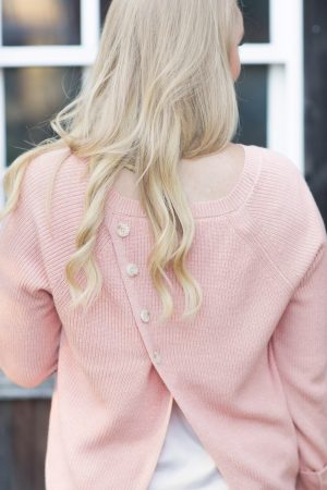 button-back-sweater-strawberry-chic