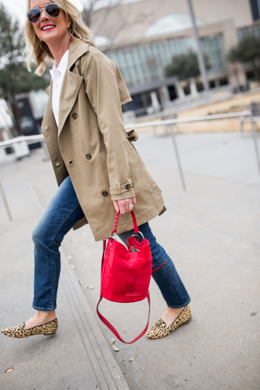 trench coat spring outfit idea rainy days