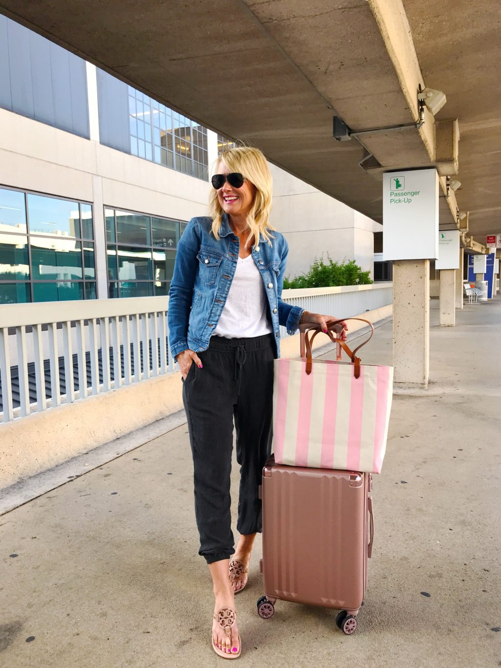 travel style what to wear on airplanes